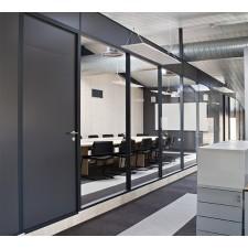 Herausnehmbare Bürotrennwand
